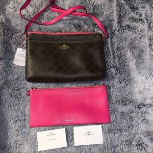 Coach Signature Crossbody & removable pouch NWT